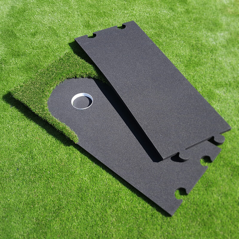 Easy assembly putting green